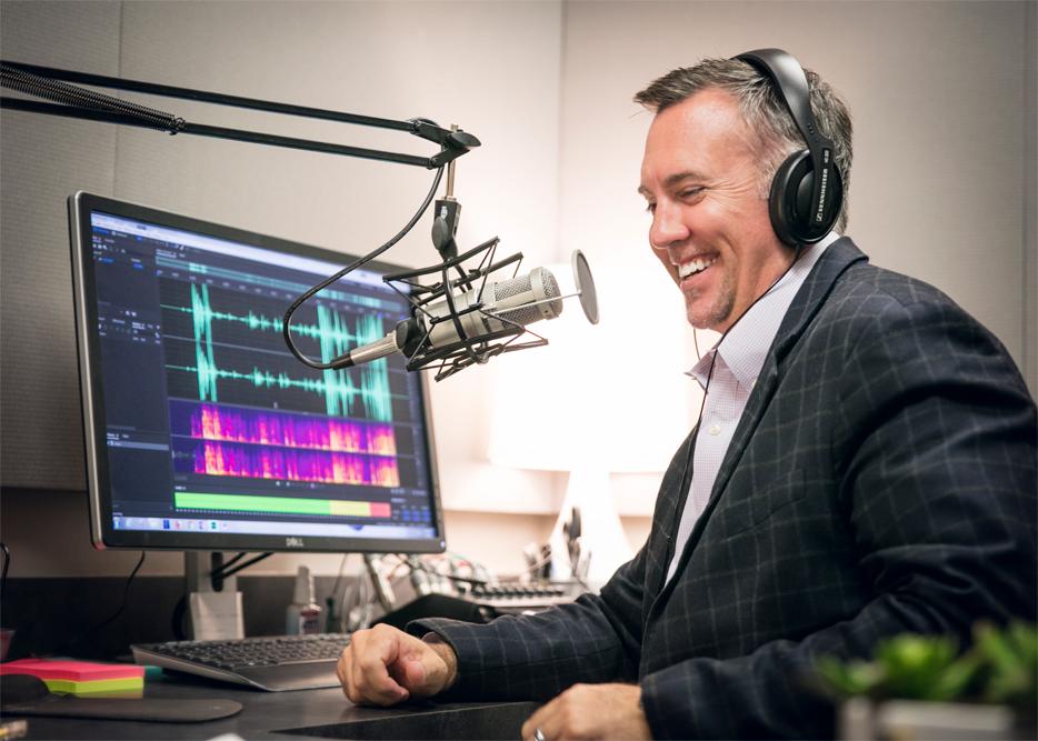 cris-wallace-radio-host